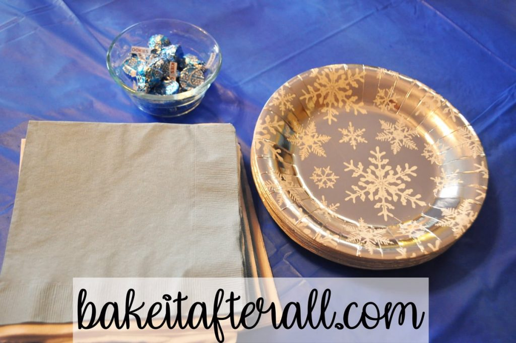 napkins and snowflake paper plates