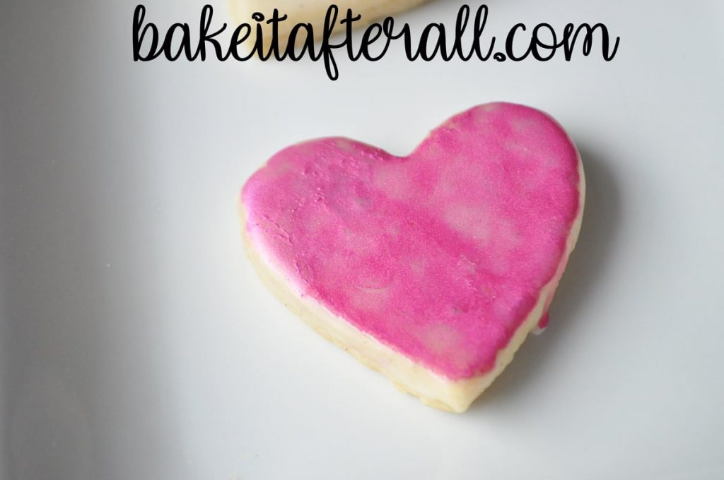 cookie painted with pink luster dust